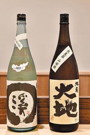 利き酒師の免許も持つ前平さんが「ぜひおすすめしたい」と言うのはこの2つ。スタートは冷酒で始め、トータルで楽しめるのが島根の『渓』と、ぬる燗から徐々に温度を上げていくと味が立ってくる『大地』。日本酒は酸味の強いものが天ぷらに合う