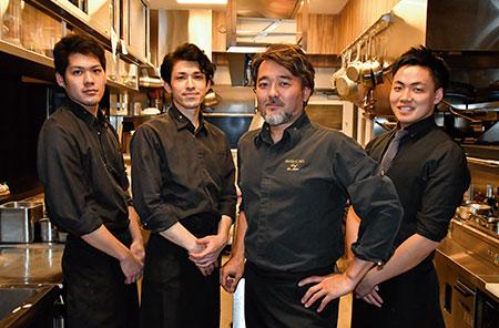 「今後は若い世代を育てていきたいですね」と語る石井さん。現在は3名のスタッフが在籍している。