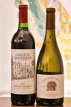 北カリフォルニアのワイン銘醸地・ナパヴァレーのワイナリー「Chateau Montelena」の「Cabemet Sauvignon」(左)と、ワイナリー「Freemark Abbey」の「Chardonnay」