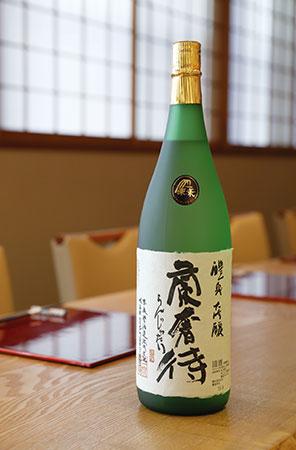 岐阜・玉泉堂酒造が醸す大吟醸「醴泉 蘭奢待」。正倉院にある国宝の香木「蘭奢待」にあやかり命名された。気品のある香りとすっきりとした辛口が特徴。